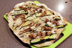 Flammkuchen (omefrans) Tags: food chicken foodporn thighs zucchini gorgonzola flammkuchen chickenthighs