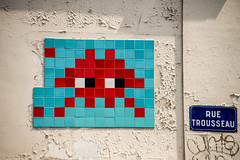 Invader (dprezat) Tags: invader spaceinvader paris street art graf tag pochoir stencil peinture aerosol bombe painting collage urban nikond800 nikon d800