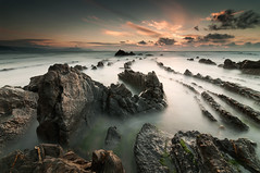 Sun Twilight (BIZKAIA) (Jonatan Alonso) Tags: longexposure sunset sea seascape water clouds landscape bizkaia basquecountry cantabrico barrika
