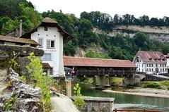 Pont de Berne - Fribourg (Mdarkbyte) Tags: old city schweiz switzerland nikon europa swiss bridges stadt fribourg freiburg altstadt brcken mittelalter saane mmmomentaufnahme