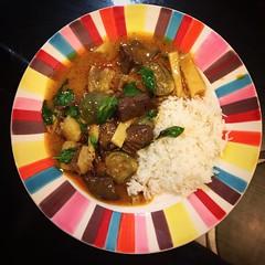 แกงเขียวหวานไก่คุณชายใส่หน่อไม้หวาน Very Rich Thai Green Curry Chicken and Fresh Sweet Bamboo.