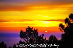 Sunrise - Lever de Soleil - Dcembre 2013 (Thony_g) Tags: morning winter light sea sky cloud sun france colors alpes sunrise canon landscape photography eos photo amazing colours horizon paca explore 7d 70200 maritimes esterel mditerrane 24105 thoulesurmer