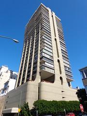 (sftrajan) Tags: greenstreet russianhill sanfrancisco apartmenthouse architecture cement concrete tower 999greenstreet 999green claudeoaklandassociates josepheichler ugly