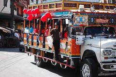chiva (Desde Colombia con las comunidades campesinas en r) Tags: demo colombia union manifestacion medellin sindicato sudamerica caravana sindicalismo paisa multinacionales derechoslaborales workerrightsantioquia