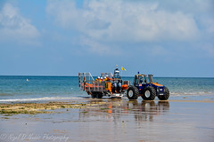 Launching the RNLI Lifeboat (Nigel Nudds Photography) Tags: carnival camping sun mist beach race real coast norfolk ale raft pubs sheringham brancaster wellsnextthesea staithe weybourne