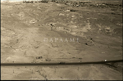 Kh Qazone (APAAME) Tags: blackandwhite archaeology ancienthistory middleeast airphoto oblique aerialphotography aerialphotograph scannedfromnegative aerialarchaeology jadis1907008 jadis2007001 khirbetqazone megaj4481 megaj8828 pleiades:depicts=697690