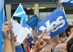 Independence Supporters (Michelle O'Connell Photography) Tags: freedom scotland town support alba glasgow yes scottish georgesquare independence vote campaign dday supporters 2014 glasgowcitychambers glasgowcitycentre freescotland yesscotland michelleoconnellphotography freealba