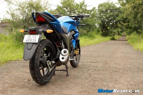 2014-Suzuki-Gixxer-28