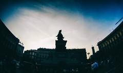 Vittorio Emanuele II @ Piazza Duomo (Milan) (giovaaa!) Tags: milan milano sony sunday piazza duomo statua piazzaduomo galleriavittorioemanuele actioncam galleriavittorioemanueleii sonyactioncam sonyhdras30v