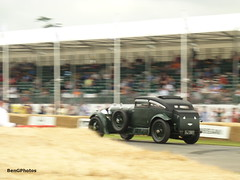 Blue Train Coupe (BenGPhotos) Tags: show blue 6 green classic sports car sport race speed train vintage racing british six panning motorsports fos coupe bentley goodwood motorsport 1930 autosport festivalofspeed 2015 gj3811