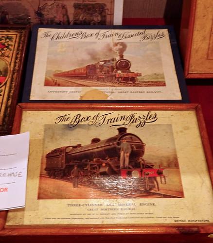 Peacock Boxes Trains DSC08602