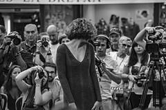 ... Pasarela ... (Lanpernas 3.0) Tags: pasarela modelo fotografía street sansebastián donostia chica desfile click