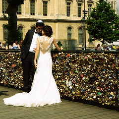 (Ccile Pommeron) Tags: wedding paris cadenas couple mariage pontdesarts kippa