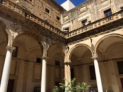 Sciacca. Collegio dei Gesuiti. Angles (A. Ciaccio) Tags: sicily sicilia municipio sciacca comune gesuiti collegio
