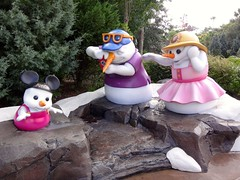 Snowman Family : Disney's Blizzard Beach Water Park (katsuhiro7110) Tags: park family camp snow ski beach water pool creek training bay snowman cross country slush double downhill rapids springs summit racers wdw blizzard patrol waterpark chairlift toboggan dipper dvc plummet runoff disneys blizzardbeach gusher stormers meltaway disneysblizzardbeach disneyblizzardbeach teamboat disneysblizzardbeachwaterpark disneyblizzardbeachwaterpark