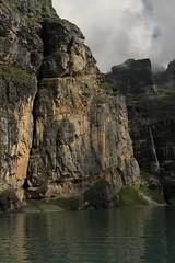 Wasserfall - Waterfall eines Bergbach ( Creek - Bach ) am Oeschinensee ( Bergsee - See - Lac - Lake ) oberhalb von Kandersteg im Berner Oberland im Kanton Bern in der Schweiz (chrchr_75) Tags: chriguhurnibluemailch christoph hurni schweiz suisse switzerland svizzera suissa swiss kantonbern chrchr chrchr75 chrigu chriguhurni 1407 juli 2014 hurni140731 oeschinensee bergsee see lac lake lago alpensee kandersteg berner oberland berneroberland albumoeschinensee albumwasserfälleimkantonbern albumwasserfällewaterfallsderschweiz wasserfall водопад 瀑布 vandfald waterfall cascade 滝 cascada waterval wodospad vattenfall vodopád slap juli2014