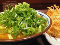 Curry Udon from Marugame Seimen @ Roppongi (Fuyuhiko) Tags: from tokyo udon うどん curry roppongi 東京 カレー marugame seimen 丸亀製麺 カレーウドン