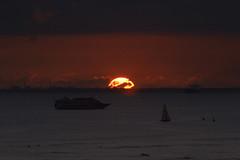 Waikiki sunset (rod marshall) Tags: hawaiisunset waikikisunset