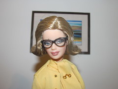 Art Lover (larry_boy17) Tags: art closeup modern glasses james outfit gallery pussy barbie honey bond secretary pamela ryder ensemble galore silkie silkstone