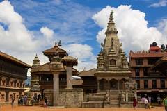 Bhaktapur, Nepal (José Rambaud) Tags: nepal sky landscape asia day cloudy buddhist towers buddhism paisaje worldheritagesite cielo temples templos monumentos hinduism bhaktapur torres budismo patrimoniohumanidad hinduismo