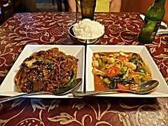 Korean yam noodles & Thai seafood in tamarind chili sauce, Silk Road Cafe (ali eminov) Tags: southdakota foods restaurants noodles seafood vermillion silkroadcafe thaiseafood koreanyamnoodles