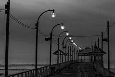 Moll (faltimiras) Tags: iris sunset sun sol beach peru set ruins surf wave playa chan puesta arco ola trujillo platja posta onada perou huanchaco