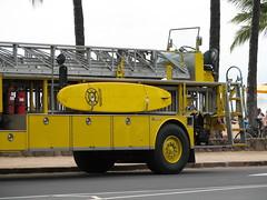 fire truck Hawaii 3 (Jac Hardyy) Tags: beach yellow truck fire hawaii waikiki gelb surfboard hawaiian feuerwehr department surfbrett feuerwehrwagen