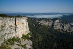 CREUX DU VAN (Toni_V) Tags: landscape schweiz switzerland europe suisse hiking 28mm rangefinder svizzera wanderung m9 neuenburg 2014 svizra creuxduvan elmaritm 140906 messsucher ©toniv leicam9 jurahöhenweg l1018581 frinvillierstecroix