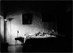 Light in a Room (Giulio Segantin) Tags: leica bw film blackwhite kodak room 28mm trix bn m42 asph biancoenero analogic 800iso elmarit leitz leicaelmarit28mmf28asph lightinaroom