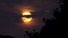 Honey Moon Rising (TheDaveWalker) Tags: moon honeymoon fullmoon friday13th moonillusion