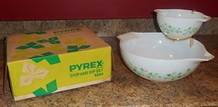 Pyrex Ivy Chip and Dip with Box (lapfann) Tags: box ivy chip dip pyrex