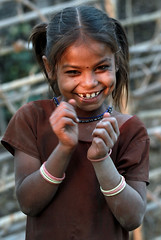 Village Girl (cowyeow) Tags: poverty park travel portrait people india cute girl smile rural happy pretty village farm candid indian traditional young farmland national laugh littlegirl pradesh madhyapradesh bandhavgarh madhya indiangirl bandhavgarhnationalpark umaria राष्ट्रीय बांधवगढराष्ट्रीयउद्दान