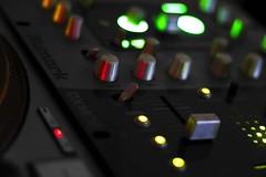 Bass (Dj_morex) Tags: music lights luces dj mixer musica vinilo bandeja turnatble