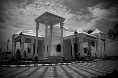 Karikala cholan Manimandabam-Kallanai (Lakshmi. R.K.) Tags: cholan kallanai trichirapalli karikala manimadabam
