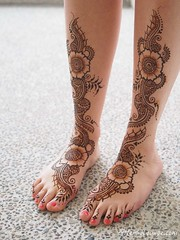 taryn_feet_henna (HennaLounge) Tags: wedding party lounge destination cancun sikh henna hindu mehndi punjabi indianwedding offbeatbride bridalmehndi hennalounge wwwhennaloungecom cancunmehndi