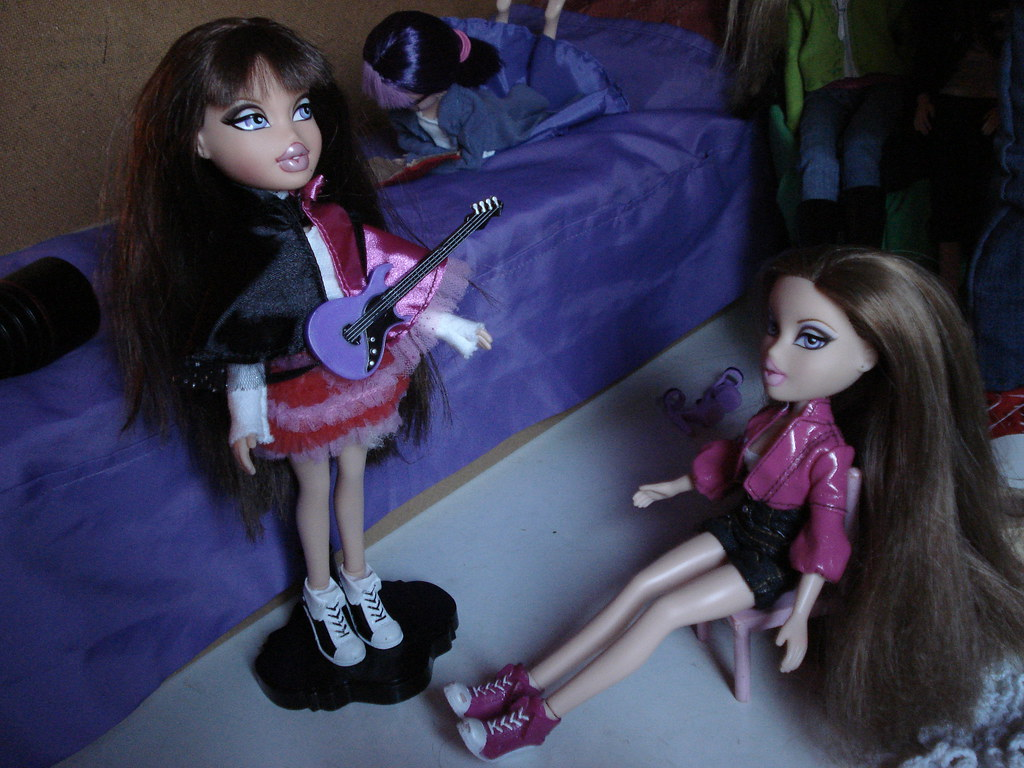 the worlds best photos of bratz and twin flickr hive mind