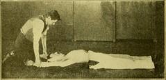 Anglų lietuvių žodynas. Žodis cardiac massage reiškia širdies masažas lietuviškai.
