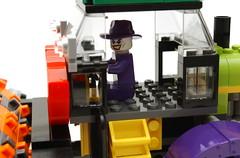 CRAZY DRIVER ! (kingkong21) Tags: lego joker dccomics steamroller henchman 76013