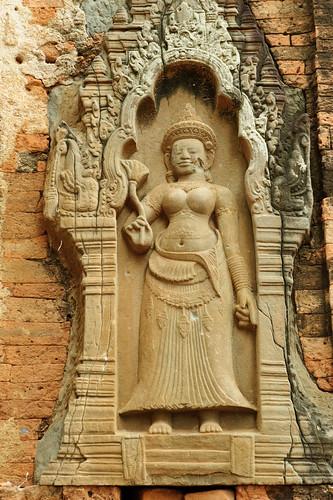 6基の祠堂の壁龕のデヴァター
