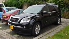 GMC Acadia (sjoerd.wijsman) Tags: auto black holland cars netherlands car nederland thenetherlands voiture vehicle holanda autos suv import zwart paysbas gmc acadia olanda fahrzeug niederlande crossover zuidholland pijnacker carspotting gcar carspot gmcacadia sidecode7 04gsv3 58gfdg