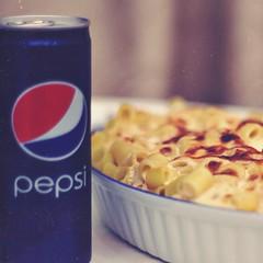 (hayoo ..) Tags: 50mm تصويري بيتنا بيبسي كانون عشاء معكرونيا