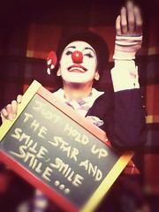Maggie Clown - bnnrrb - barbara bonanno (Barbara Bonanno BNNRRB) Tags: selfportrait travelling smile photo shine clown sunny maggie enjoy seaworld shining shines gioia wonderfulworld disfrutar youmakemesmile geniesen riccardostara cuboliquido barbarabonanno bnnrrb mostjoyous