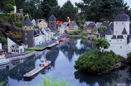 "360DK Legoland • <a style=""font-size:0.8em;"" href=""http://www.flickr.com/photos/69570948@N04/15317979435/"" target=""_blank"">View on Flickr</a>"