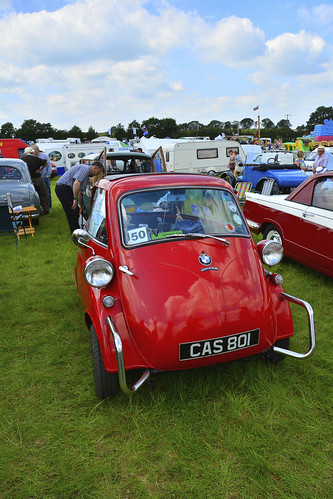 Woolpit Steam Rally, Classic Cars, BMW Isetta 1959