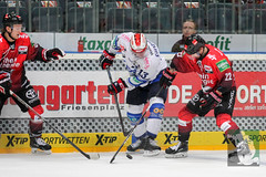 "DEL15 Kölner Haie vs. Schwenningen Wild Wings 28.09.2014 056.jpg • <a style=""font-size:0.8em;"" href=""http://www.flickr.com/photos/64442770@N03/15383334322/"" target=""_blank"">View on Flickr</a>"