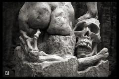 "Sculpture Ferdinand Boehme ""Der Tod und das Mädchen"" Detail Fuji X-Pro1 (c) 2015 Бернхард Эггер :: ru-moto images 0376 bw (:: ru-moto images) Tags: sculpture skulptur бернхардэггер фотограф rumoto австрия ferdinandböhme boehme badmitterndorf austria fuji fujifilm xpro1 schwarzweis bw sw mono monochrome sepia blackandwhite canonlens fd14 bernhardegger kunst art bildhauer gear камера camera digital canon fd50mm f14 lens objektiv kamera collection sammlung fotográfico classics retro equipment photofiles fotografie photography россия passion leidenschaft photographer poster print prints printed canvas quality fineart large gift present adapter manuell фото mirrorless thisphotorocks kunstwerk tod mädchen detail европа монохром sberbank сбербанк 写真家 schwarzweiss"