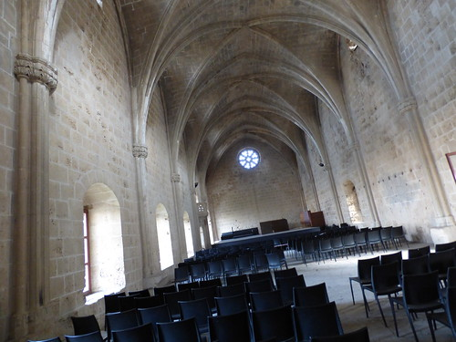 Bellapais Abbey, cloister - refectory interior (4)