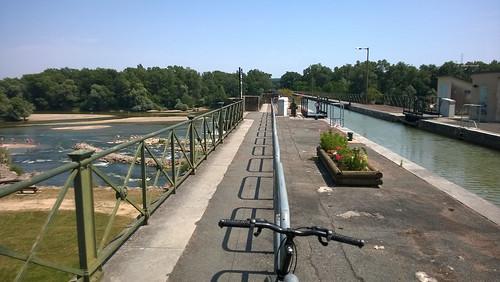 Het kanaal over de Allier