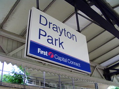 Drayton Park station sign 03/06/14 (TheStanstedTrainspotter) Tags: train district tube railway piccadilly trains southern olympia londonunderground baronscourt s7 draytonpark class66 class317 class313 firstcapitalconnect class59 class377 class321 londonoverground d78 d78stock class378 batterylocos greateranglia