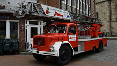 Magirus Deutz 150 D17 Drehleiter (BonsaiTruck) Tags: classic cars 150 camion oldtimer trucks oldies hidding lkw drehleiter deutz pkw nordwalde d17 partyschirm magiorus